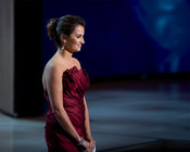 Penélope Cruz presentando el primer Oscar de la noche