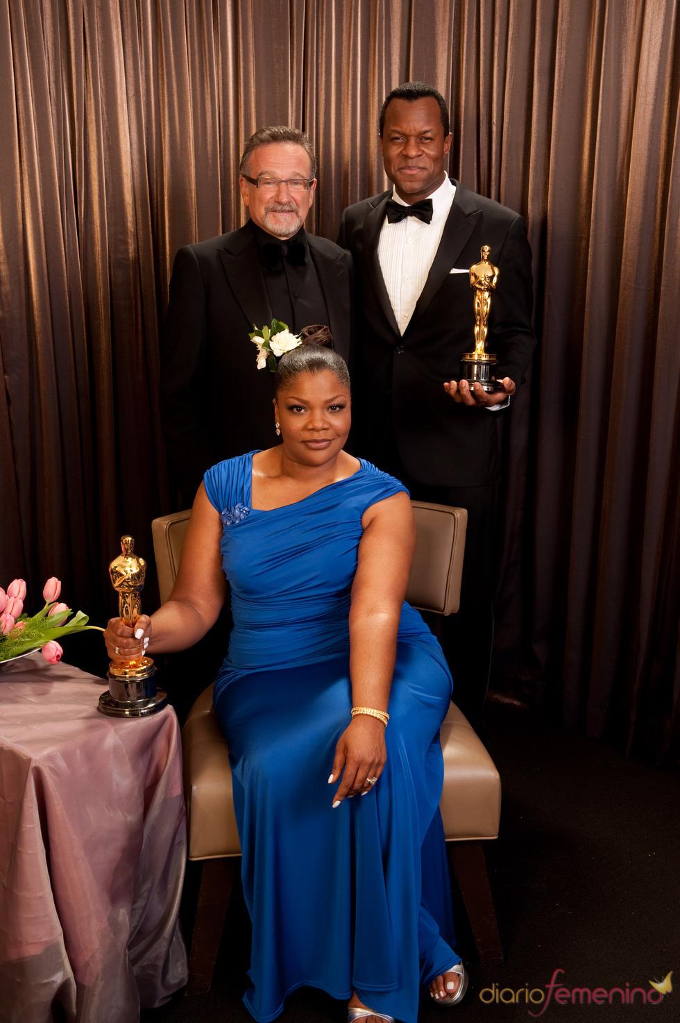 Mo'Nique, Geoffrey Fletcher y Robin Williams en los Oscar 2010