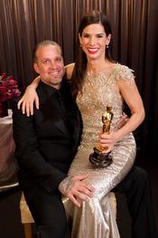 Sandra Bullock, con su marido en los Oscar 010