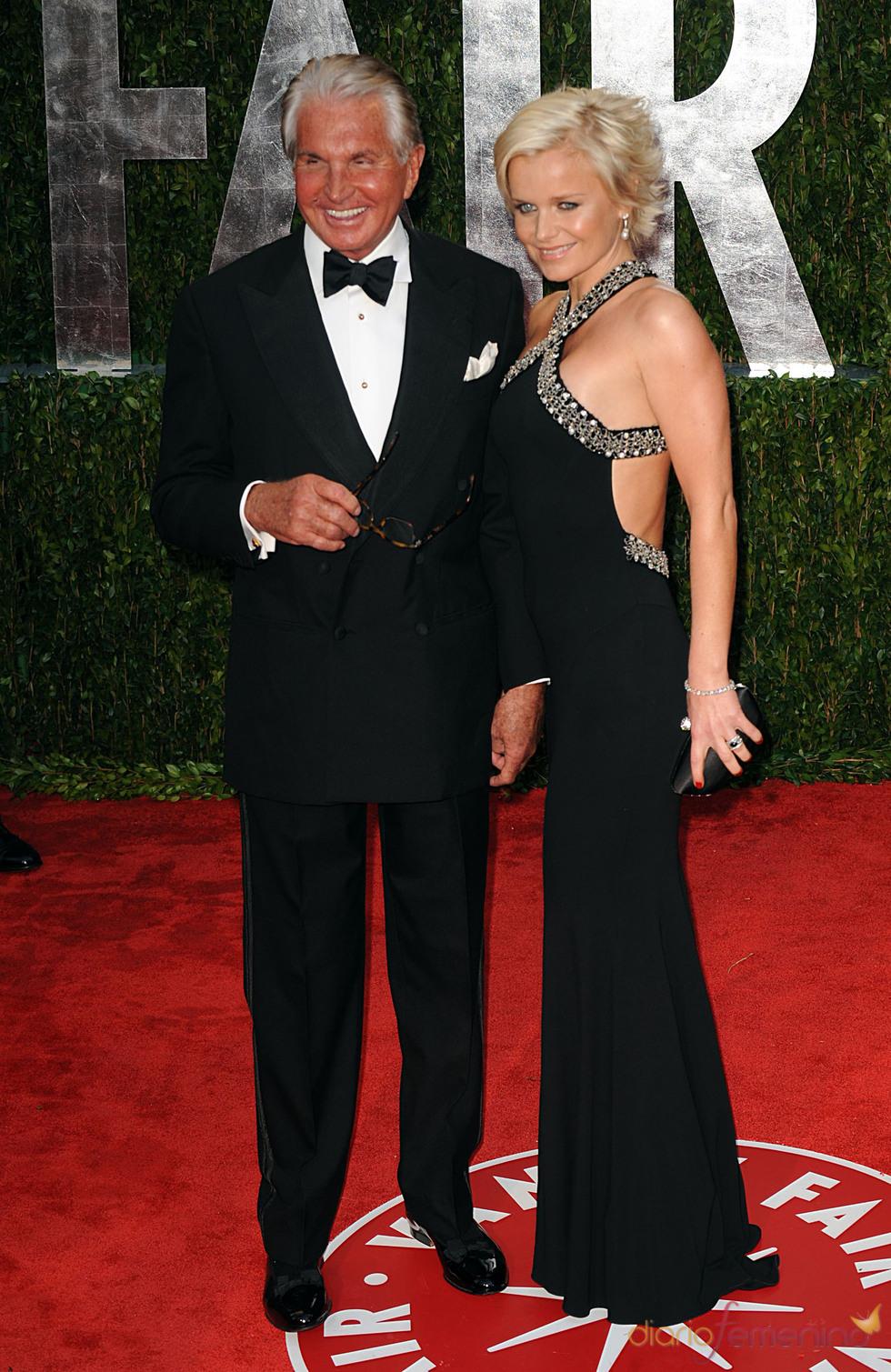 George Hamilton and Barbara Sturm en la fiesta Vanity Fair Oscar 2010
