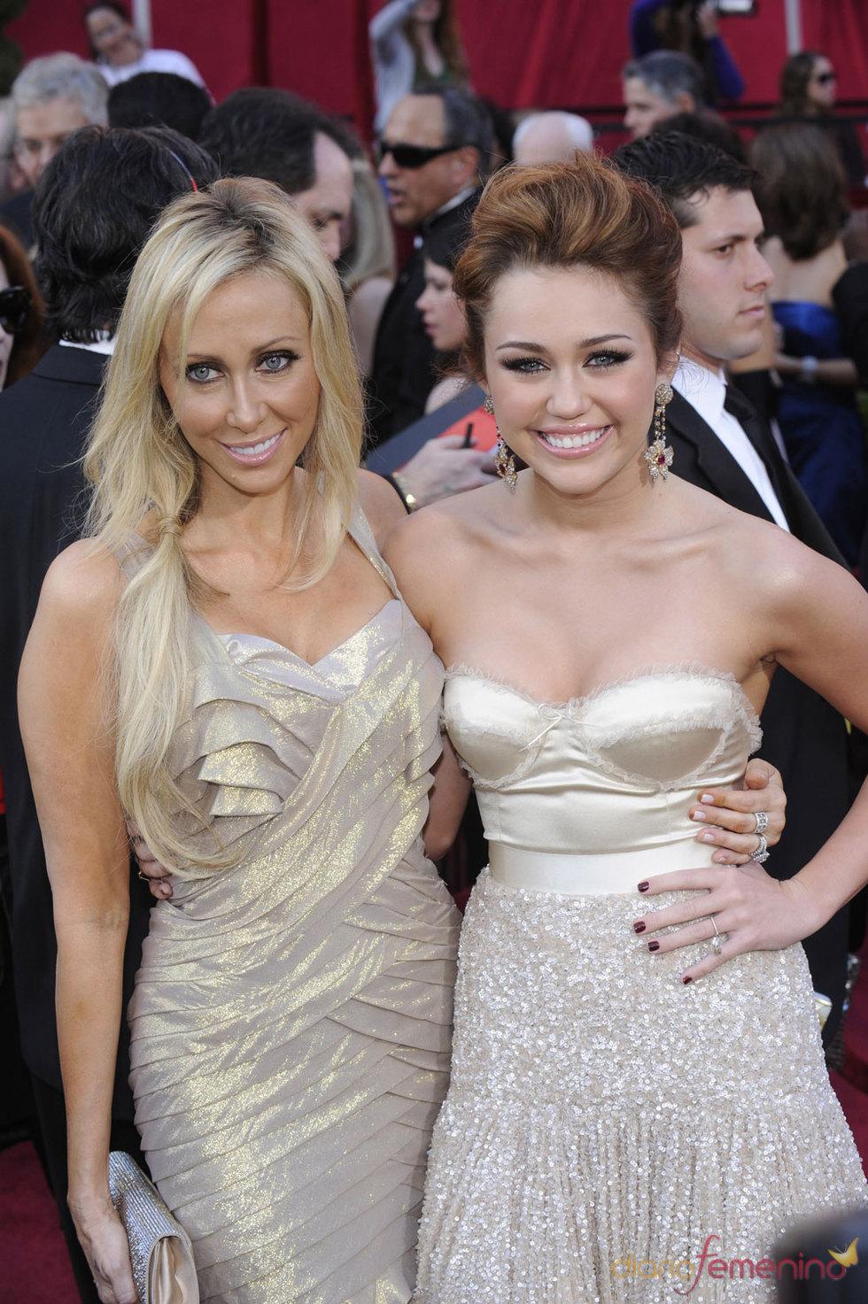 Miley Cyrus (Hannah Montana) en los Oscars 2010