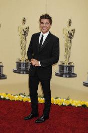 Foto de Zac Efron en los Oscars 2010