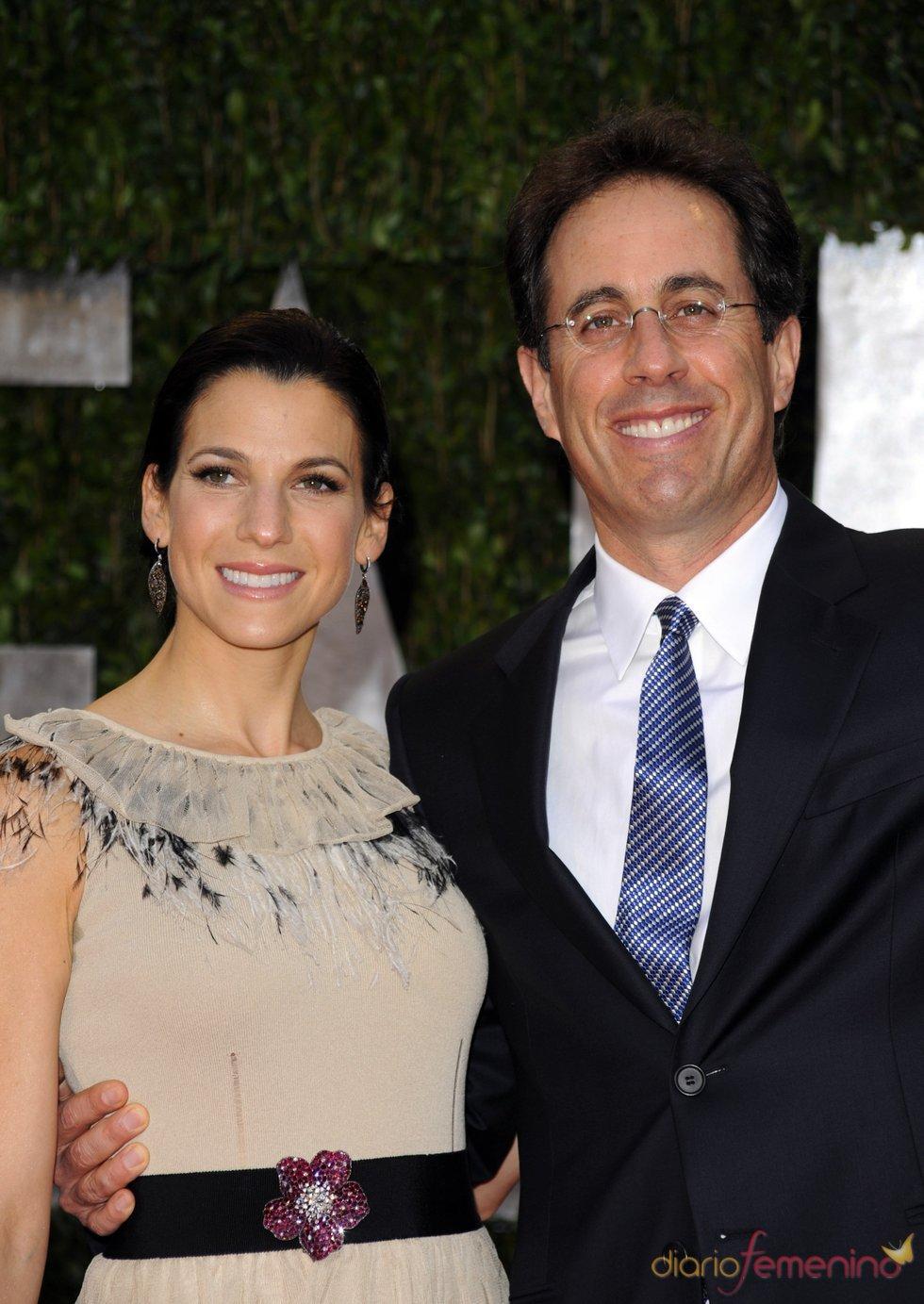 Jerry Seinfeld y su mujer en la fiesta Vanity Fair Oscar 2010