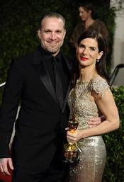 Sandra Bullock y Jesse James en la fiesta Vanity Fair Oscar 2010