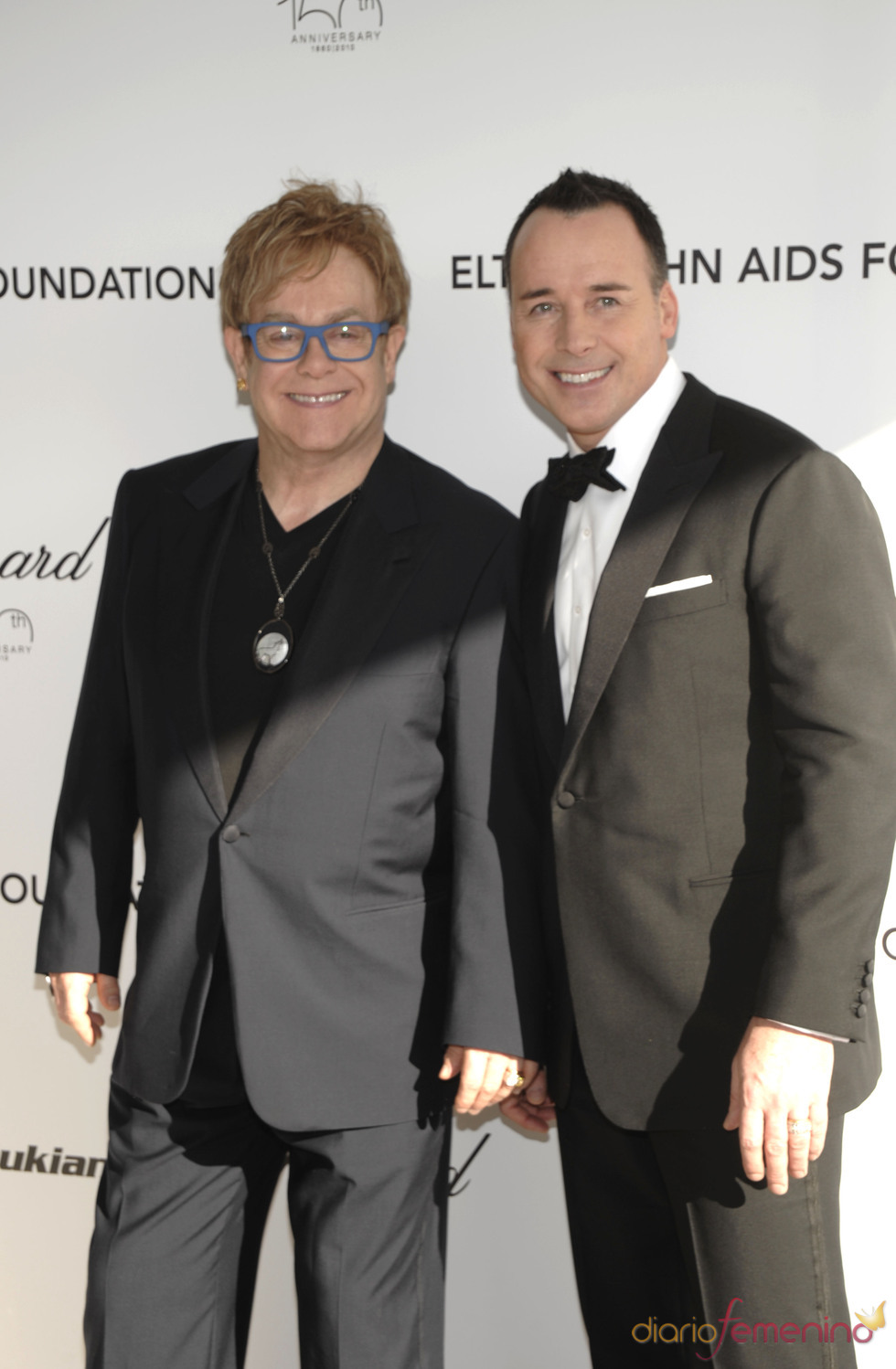 Elton John y David Furnish en la fiesta Elton John Oscar 2010