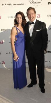 Tim Allen y su mujer en la fiesta Elton John Oscar 2010