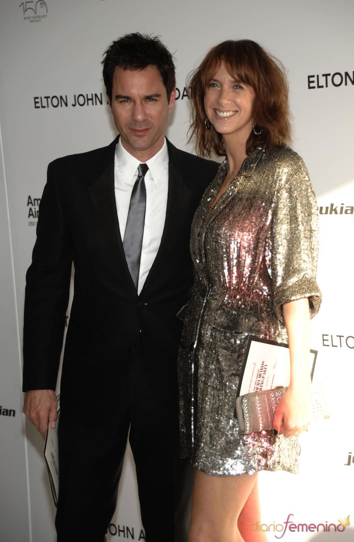 Eric McCormack y su mujer en la fiesta Elton John Oscar 2010