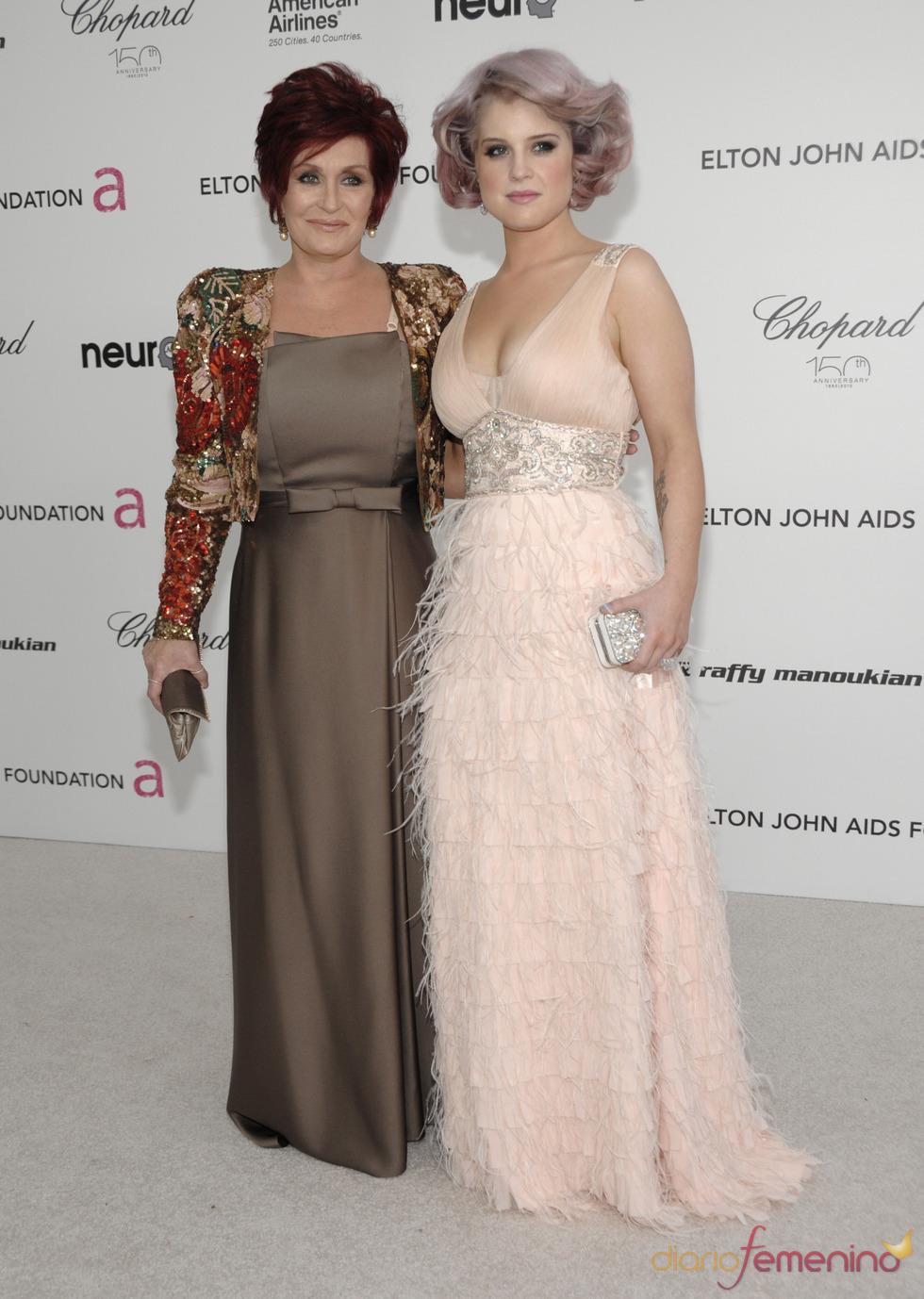 Sharon y Kelly Osbourne en la fiesta Elton John Oscar 2010