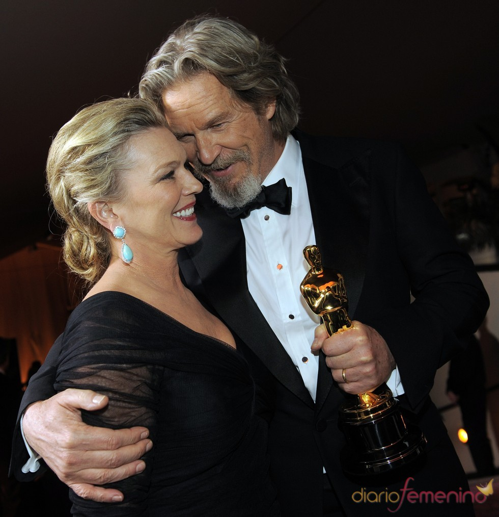 Jeff Bridges y su mujer en el baile Governors Ball, tras los Oscar 2010