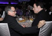 Robin Williams y Travolta en el baile Governors Ball, tras los Oscar 2010