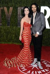 Katy Perry y Russell Brand en la fiesta Vanity Fair Oscar 2010