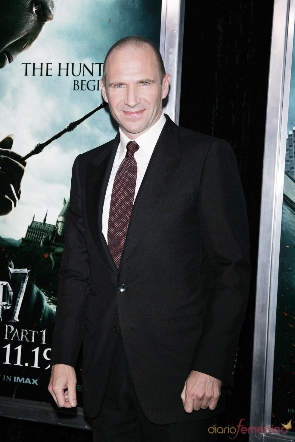 Ralph Fiennes en el estreno de 'Harry Potter y las reliquias de la muerte'