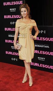 Julianne Hough en la premiere de 'Burlesque'
