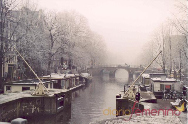 Los canales de Amsterdam nevados