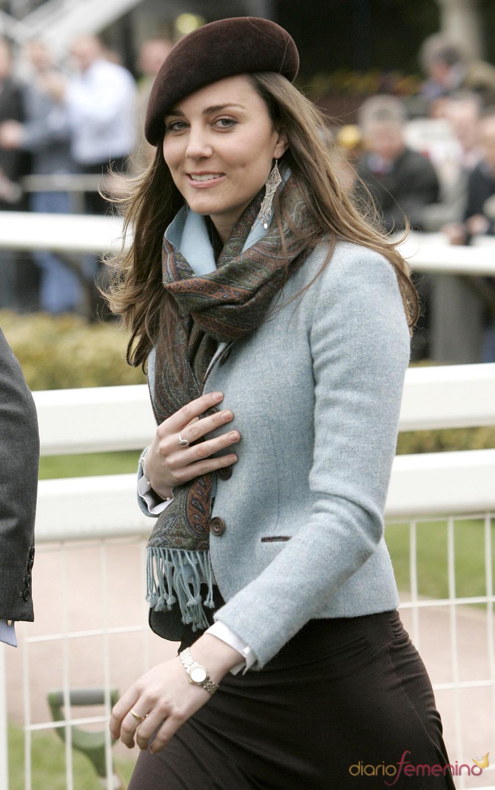 Kate Middleton con boina marrón