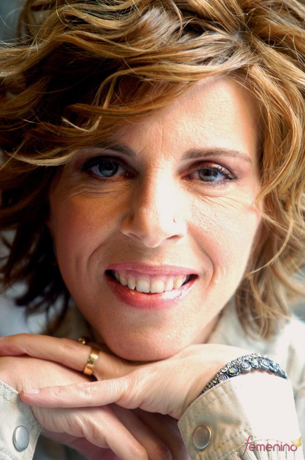 Sole Gimenez presenta 'Pequeñas cosas' rodeada de artistas españoles