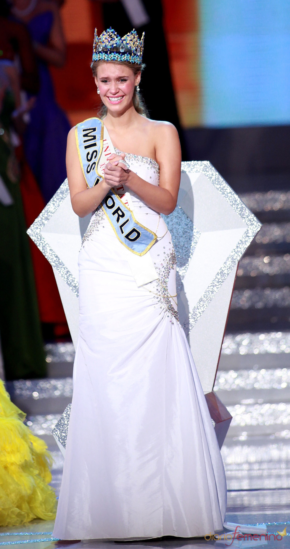 Alexandria Mills, Miss Mundo 2010