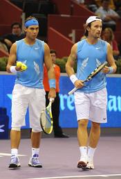 Carlos Moyá y Rafa Nadal en la cancha