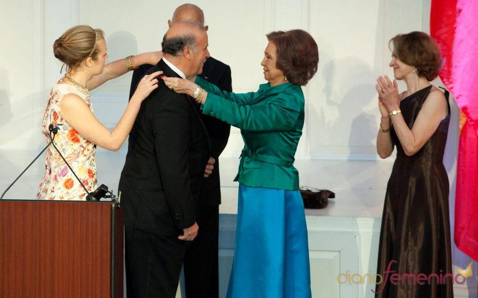 La Reina Sofía entrega la medalla de oro a Vicente Del Bosque