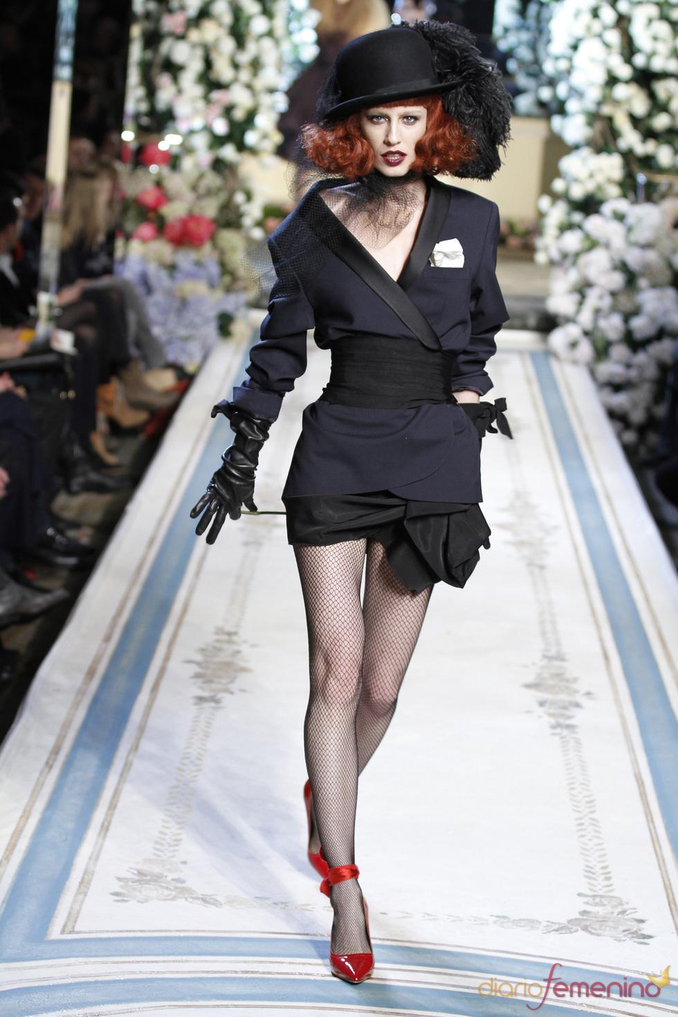 Americana con cinturon y pamela de Lavin para H&M