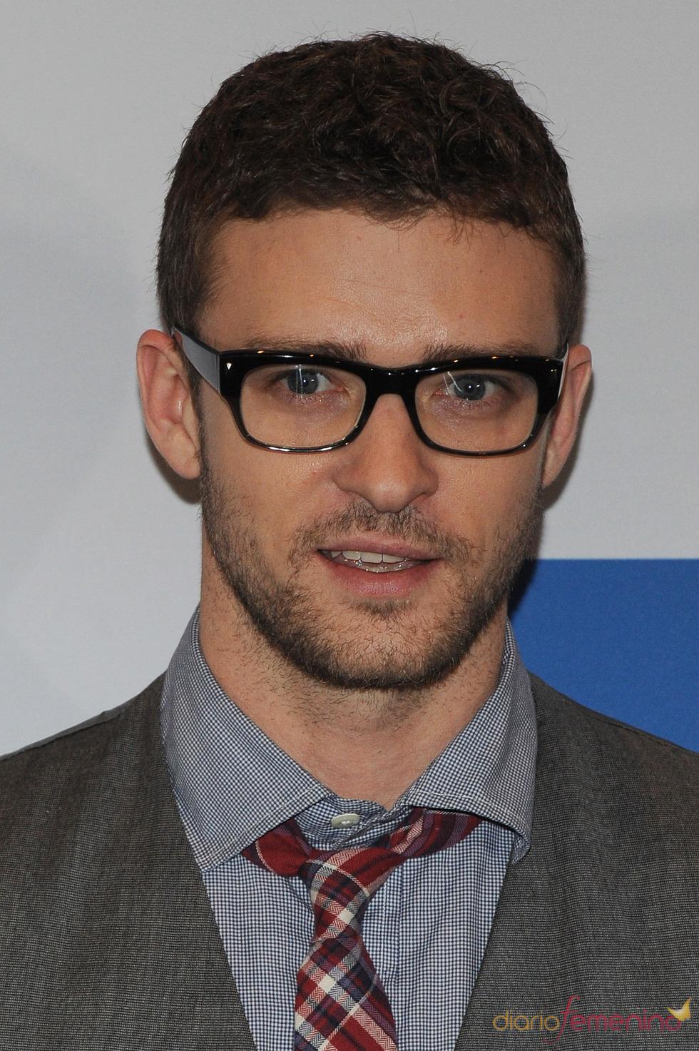 Justin Timberlake se suma a la moda de las gafas grandes