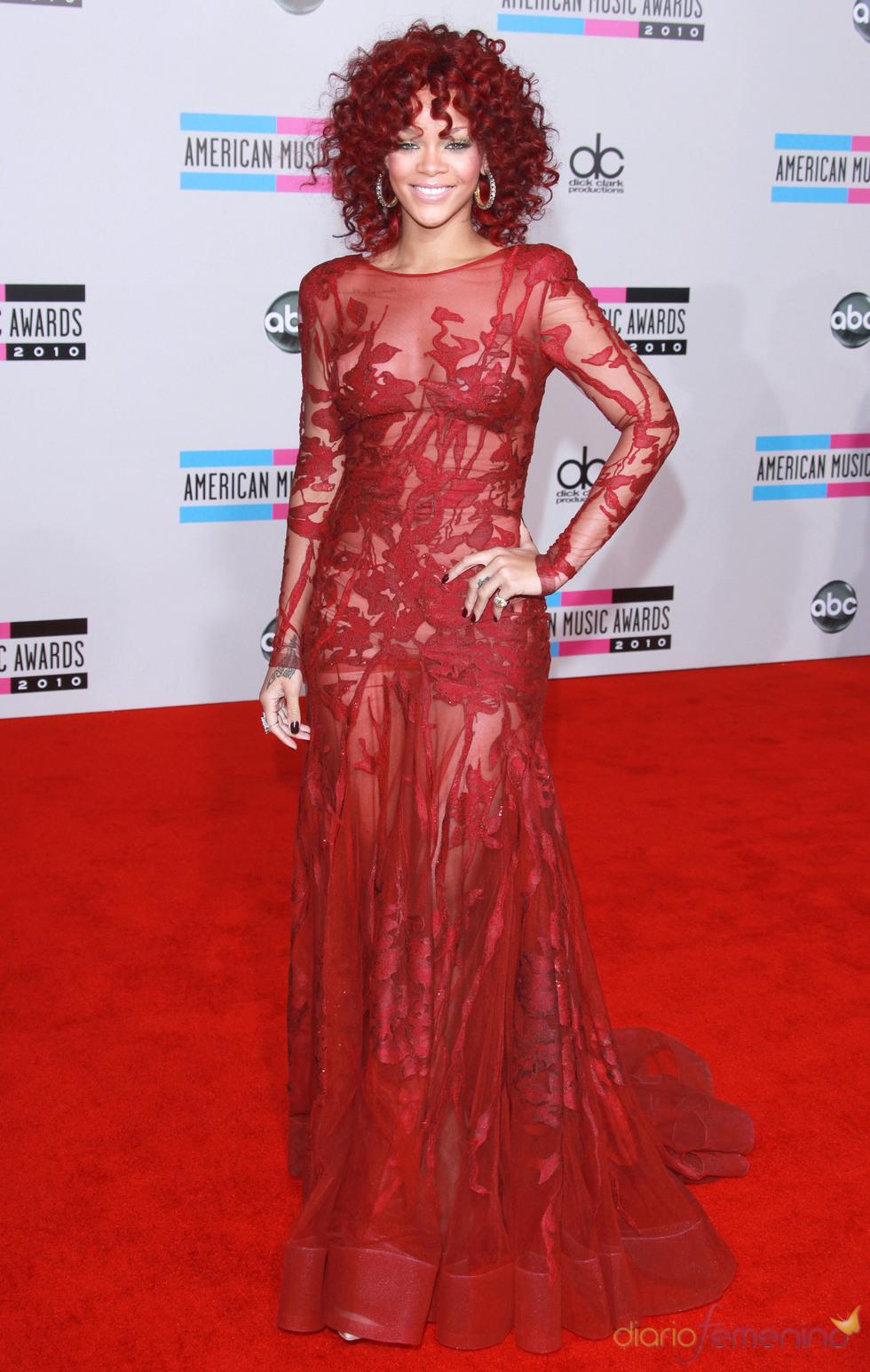 Rihanna en los American Music Awards 2010
