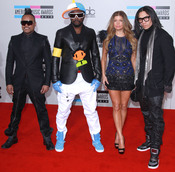 American Music Awards 2010 con The Black Eyed Peas