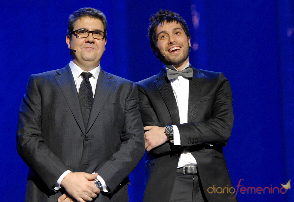 Los presentadores de los premios Ondas 2010: Florentino Fernández y Dani Martínez.