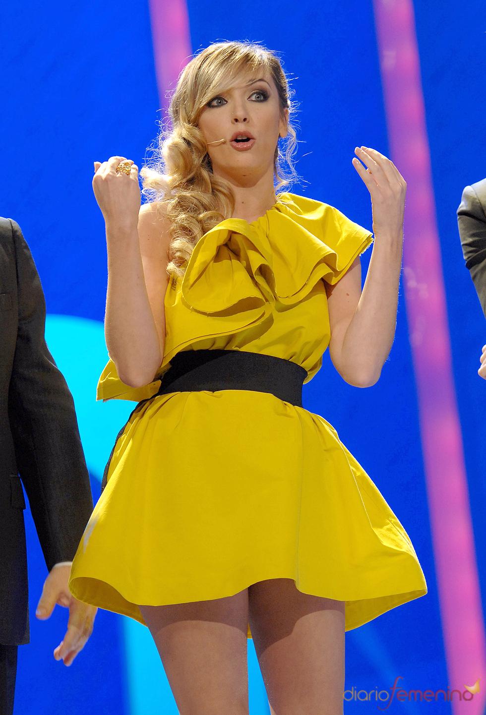 La presentadora de los premios Ondas 2010: Anna Simón
