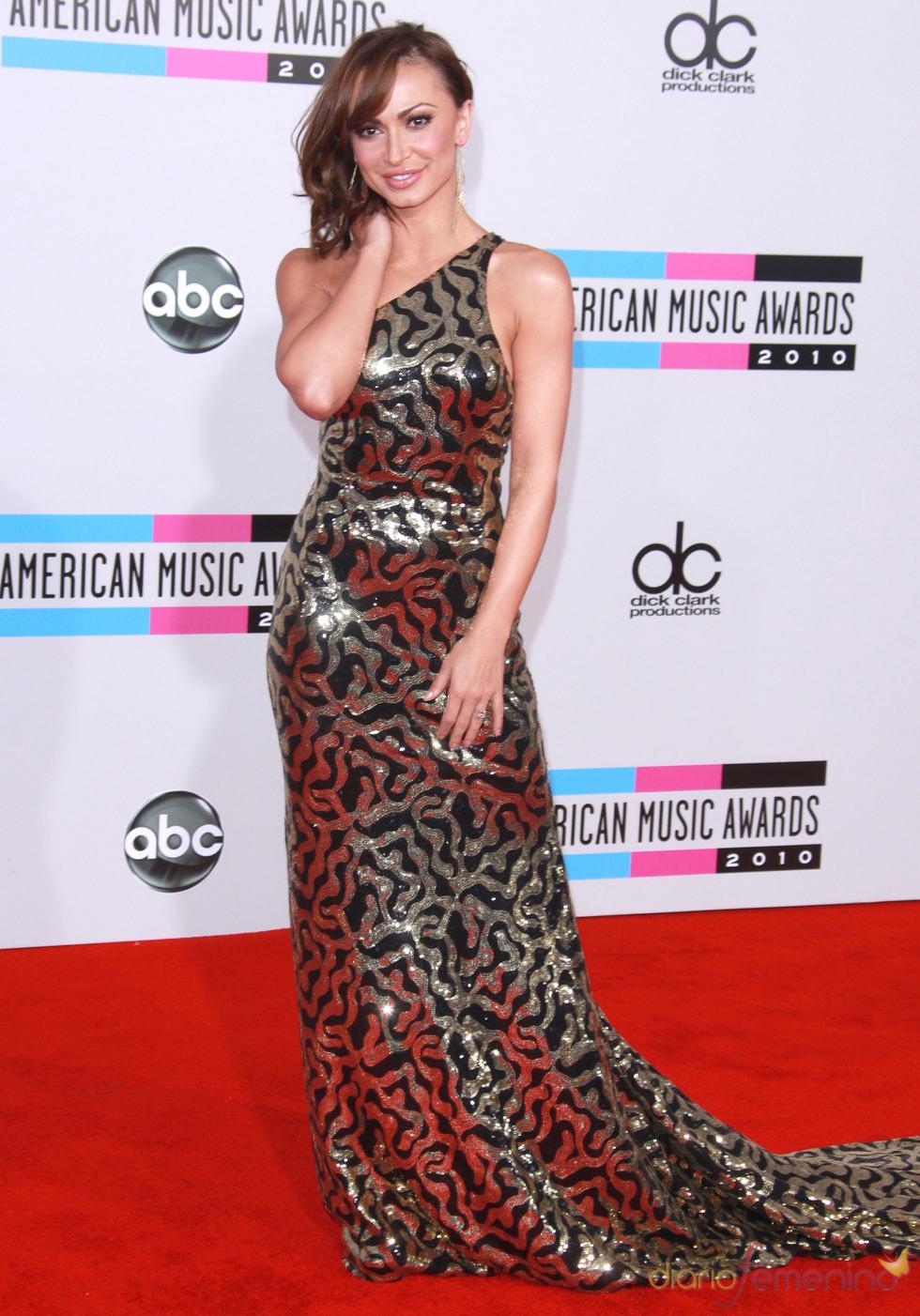 Karina Smirnoff en los American Music Awards 2010