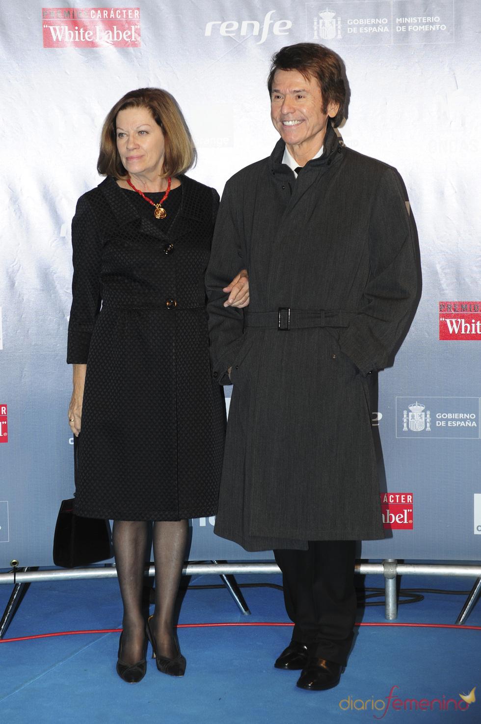 Raphael y Natalia Figueroa durante los premios Ondas 2010