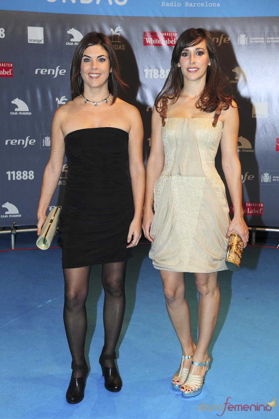 Las periodista Adela Ucar y Samanta Vilar en los premios Ondas 2010