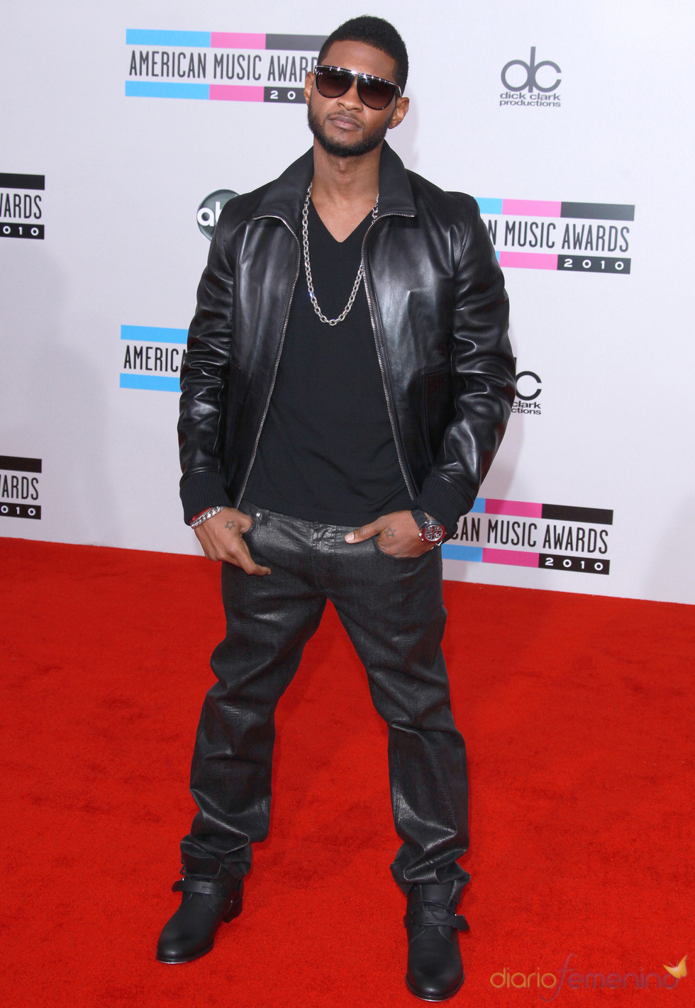 Usher en los American Music Awards 2010