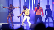 The Black Eyed Peas duranto su actuación en los American Music Awards