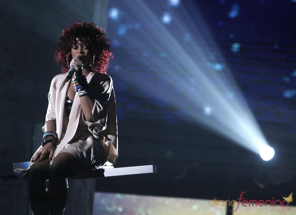 Rihanna, una de las premiadas en la gala de los American Music Awards 2010