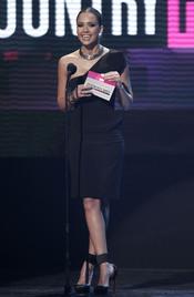 Jessica Alba una de las presentadoras de los American Music Awards 2010