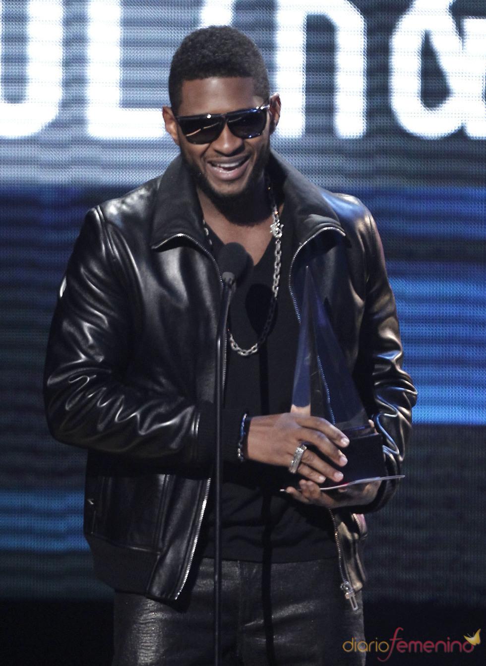 Usher uno de los triunfadores de la gala AMA 2010