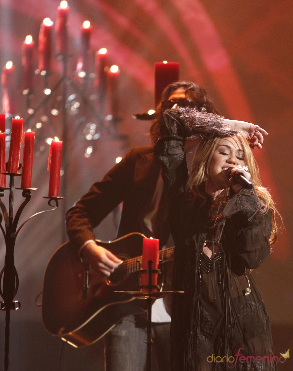 Miley Cyrus en la entrega de los American Music Awards 2010