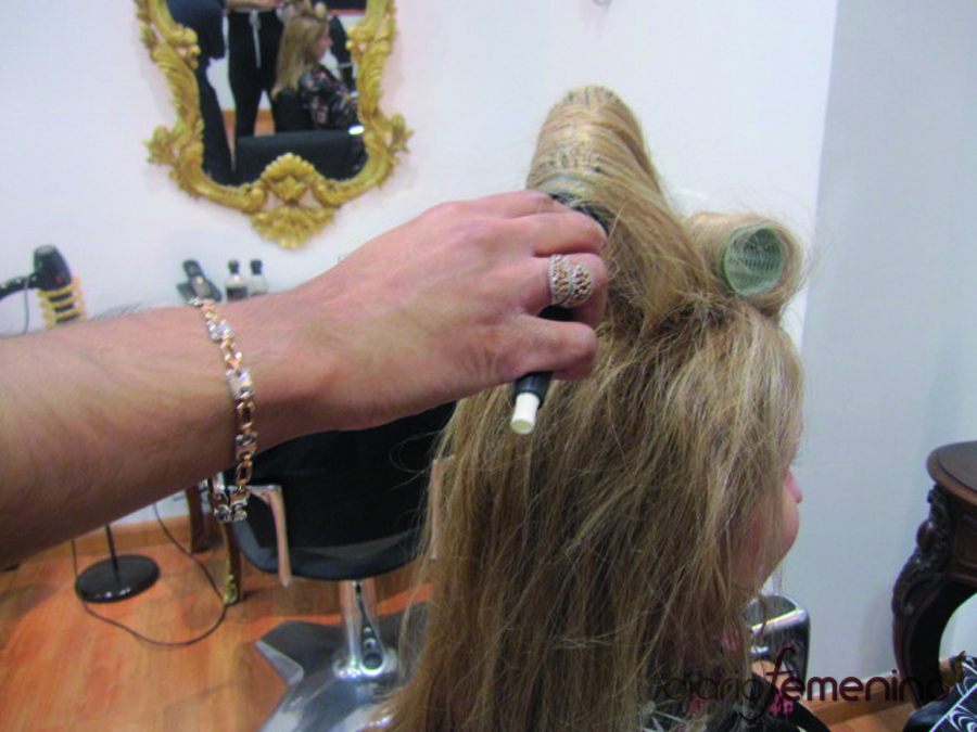 Paso 2. Peinado sesentero para Navidad