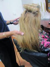 Paso 3. Peinado sesentero para Navidad