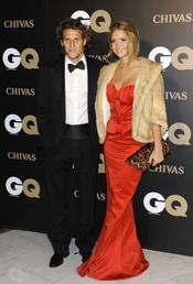 Diego Forlán posa junto a su novia Zaira Nara