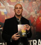 Pepe Reina presenta el libro de la Selección española