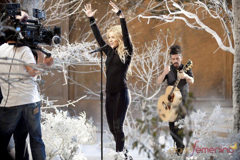 Shakira derrochó energía durante el rodaje del anuncio de Freixenet