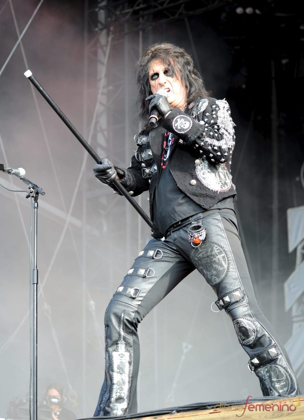 Alice Cooper muere y resucita en su concierto en Madrid