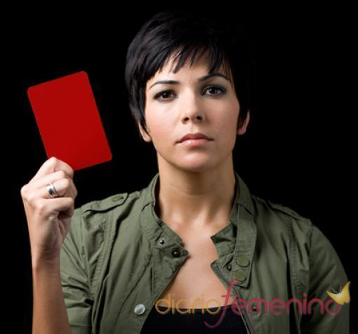 Raquel del Rosario saca tarjeta roja