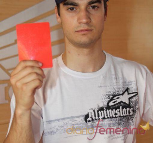Dani Pedrosa saca tarjeta roja