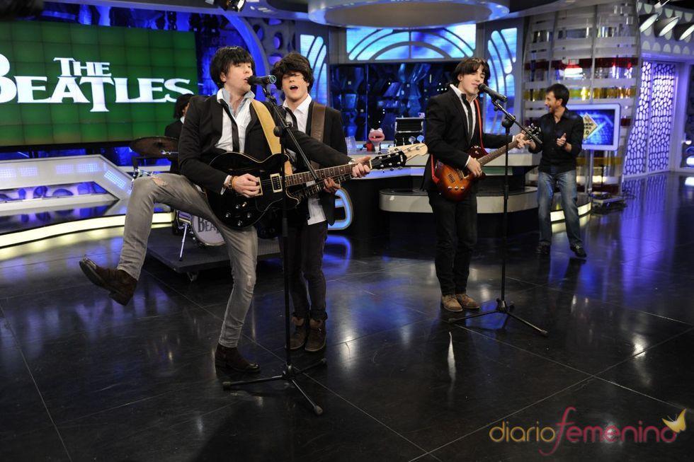 McFly disfrazados de The Beatles en 'El Hormiguero'