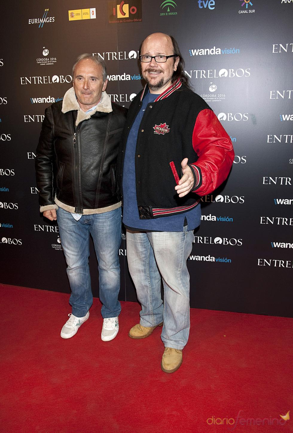 Santiago Segura posa junto a Xavier Deltell