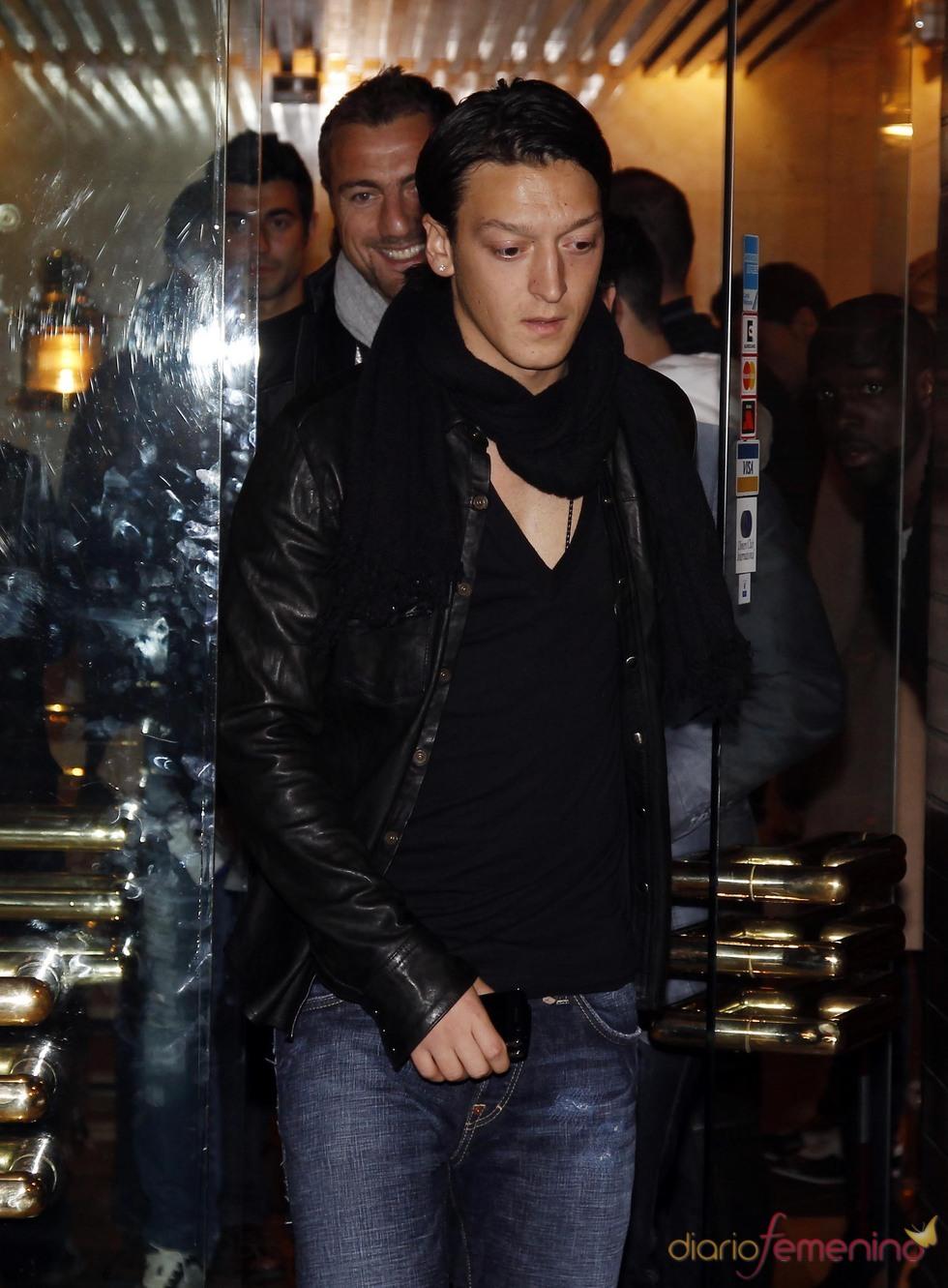 Mesut Ozil se apunta a la comida del Real Madrid
