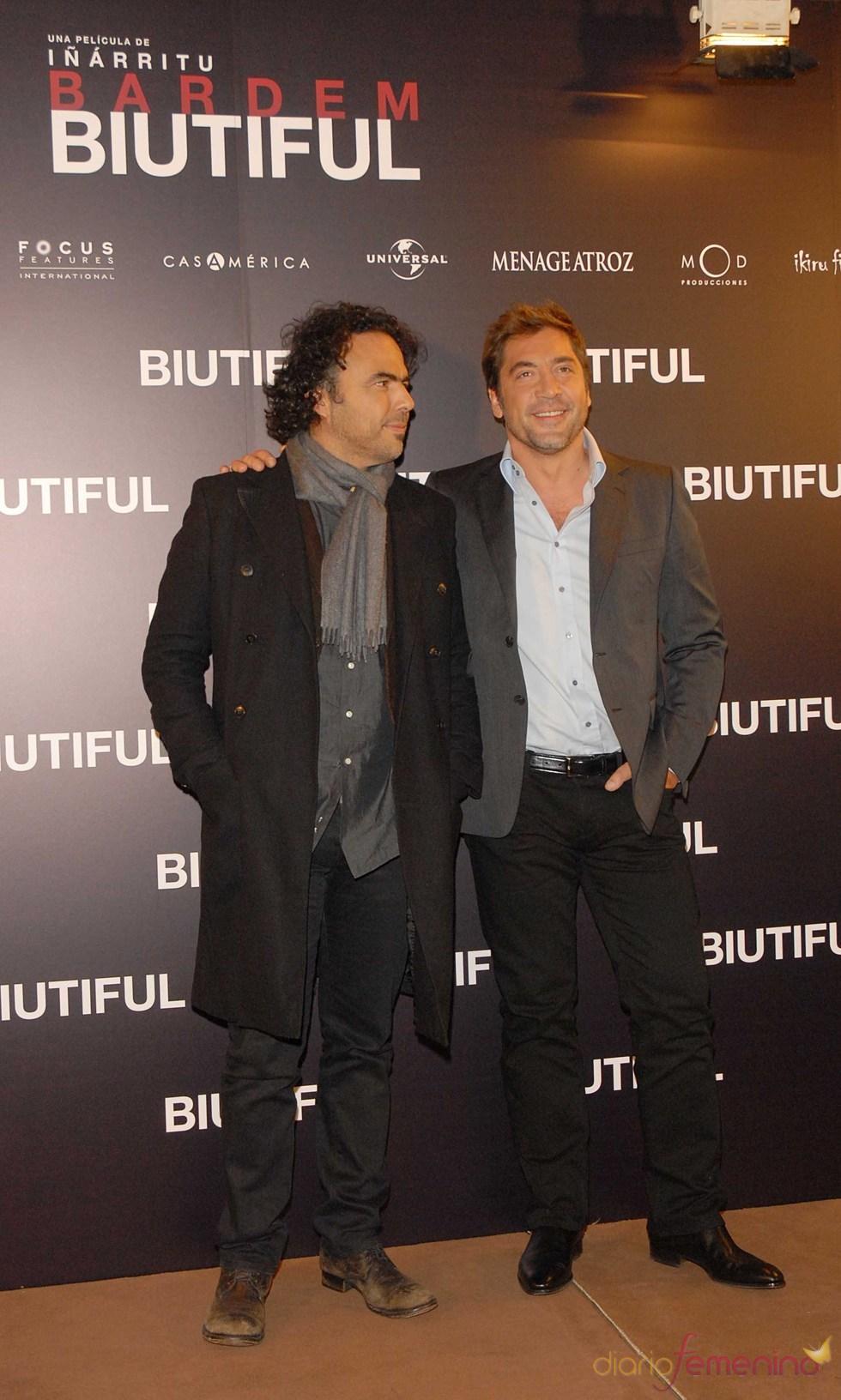 Alejandro González Iñárritu y Javier Bardem en el estreno de 'Biutiful'